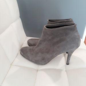 Stuart Weitzman grey suade bootie size 8.5